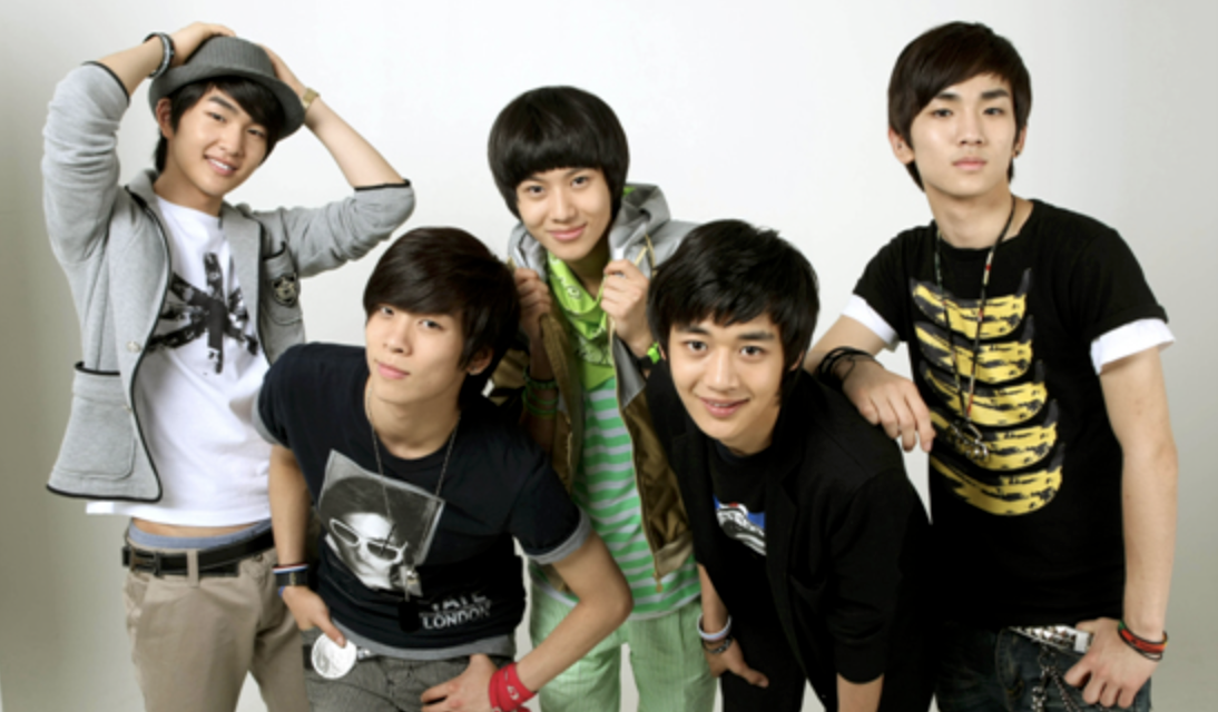 Happy 11th anniversary SHINee!